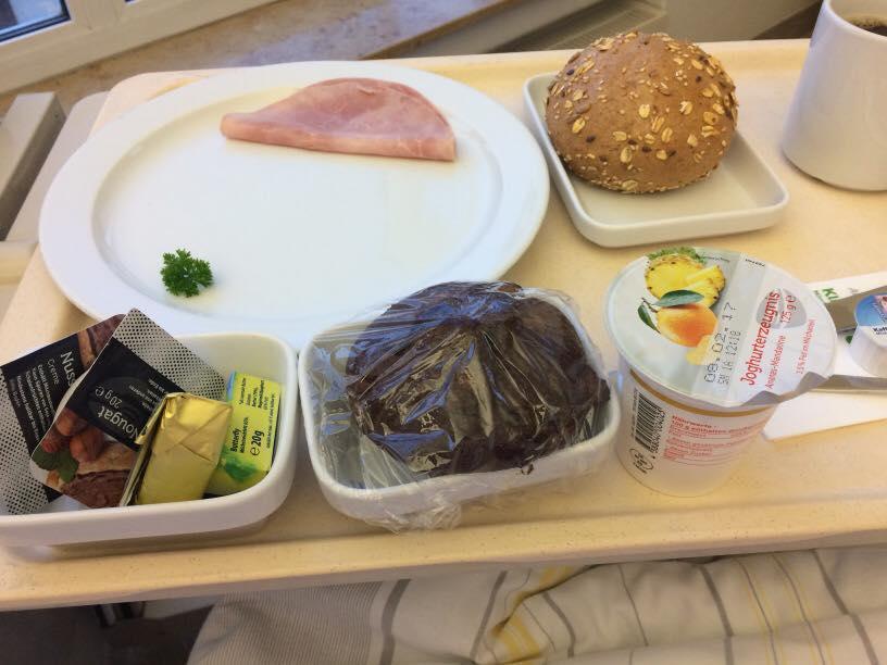 ドイツの病院の朝食